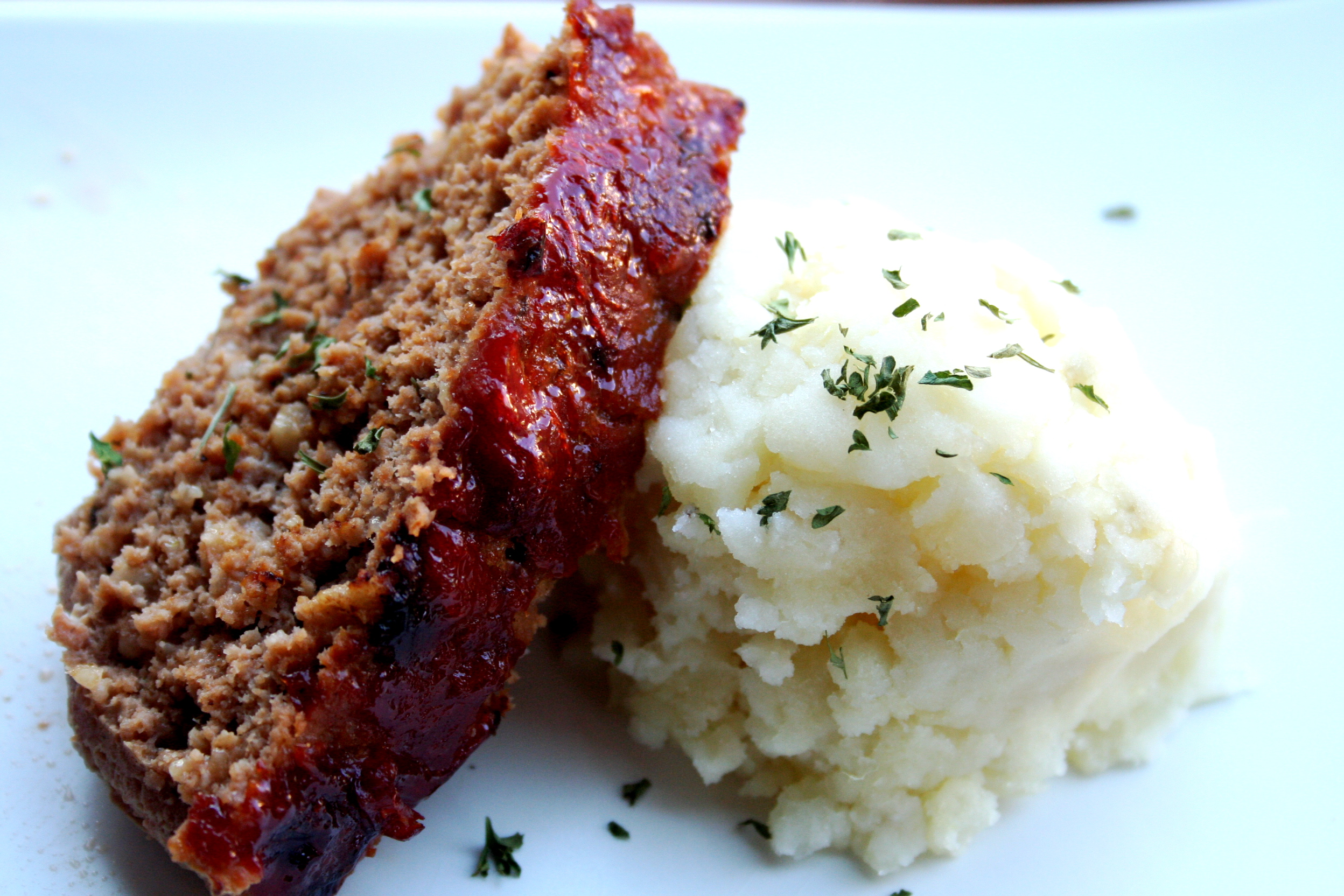 ... 1950's housewife meal: meatloaf + mashed potatoes - Urban Bliss Life